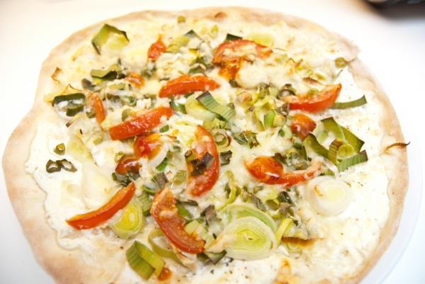 DSC 9780  Elsässer Flammkuchen // veg. Pizza